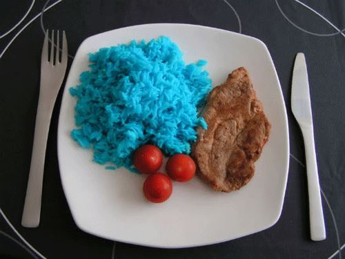 el color azul apenas se utiliza en la gastronomía