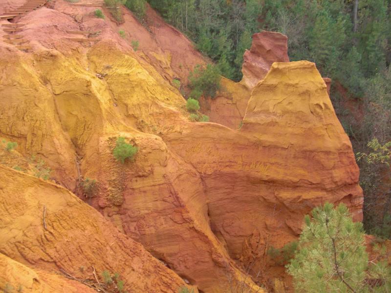 ejemplo de colores ocre en la naturaleza