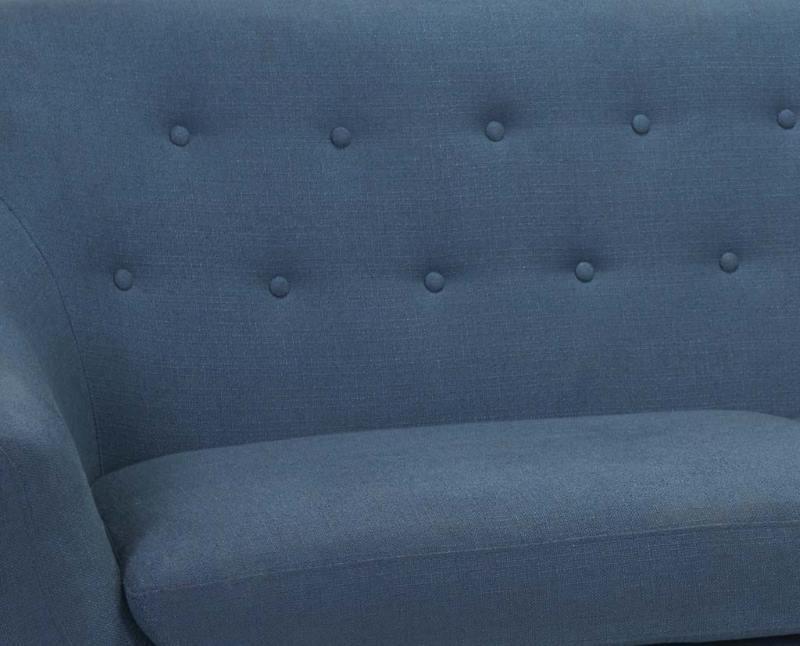 ejemplo de tapizado de sofá en color azul acero