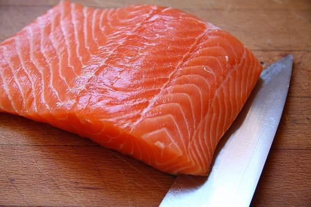 es el color del salmón el que da su nombre a esta variedad de color