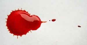curiosamente el color sangre es muy utilizado en publicidad para llamar la atención
