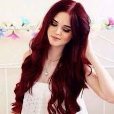 el color borgoña es muy usado en tintes de cabello