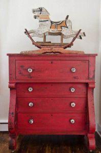el rojo toscano es un color muy utilizado para muebles