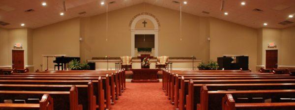 sonhar que está na igreja fazendo oração