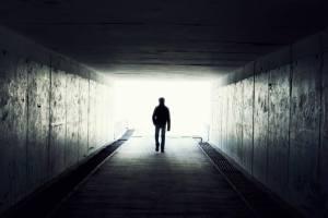 Por Que As Pessoas Veem Uma Luz No Fim Do Túnel Antes De Morrer?