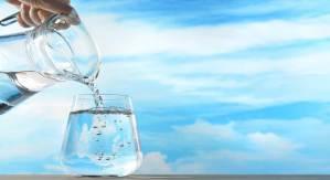 6 Maneiras De Energizar Positivamente a Água Que Bebemos