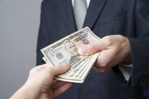 ▷ Sonhar Recebendo Dinheiro De Alguém 【12 Significados Impressionantes】