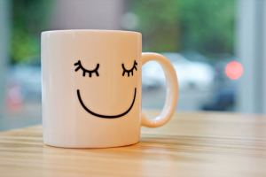 6 Hábitos Que Vão Colocar Um Sorriso No Seu Rosto Todas As Manhãs