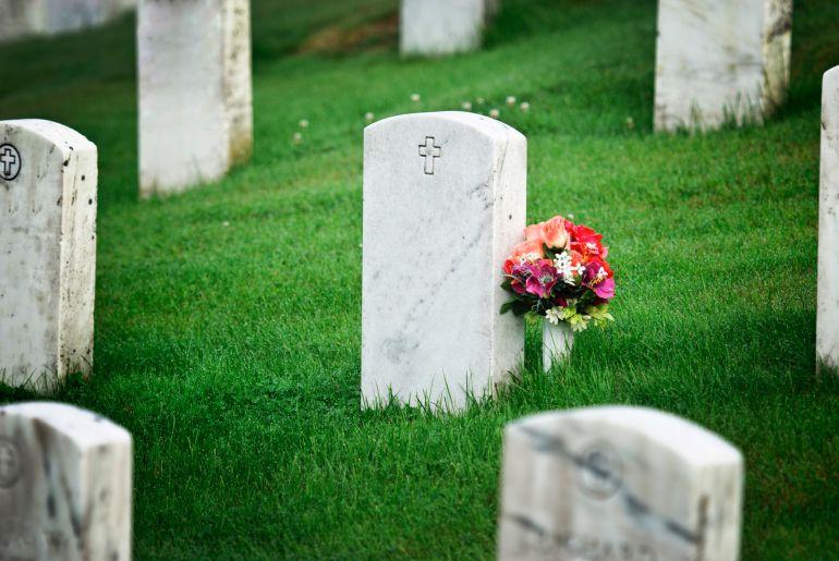 ▷ Sonhar Com Marido Morto 【É Mau Presságio?】