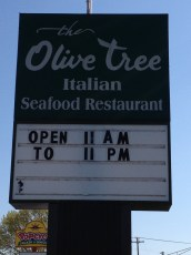 Olive Garden Pylon Sign