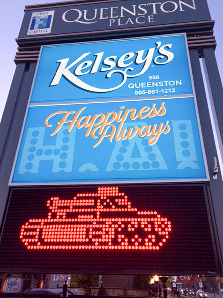kelseys new pylon sign