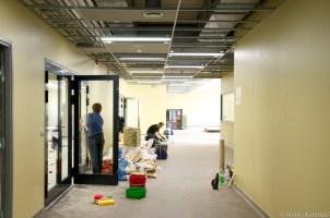 Puhastatakse esimese korruse fuajeed ja suure auditooriumi sissepääsu