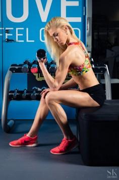 IFBB bikini fitness athlete, biceps excercise