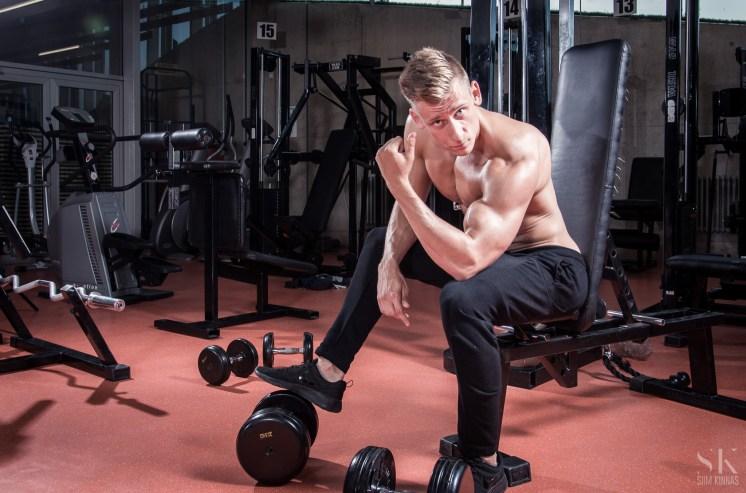 IFBB men's physique competitot Sander Kikas