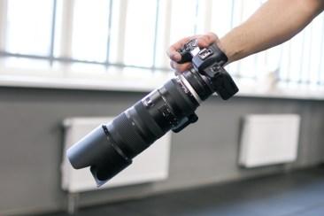 ...Canon EOS R koos adapteri abil lisatud sama objektiivi Canoni versiooniga.