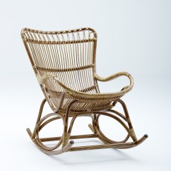 Old Fashioned Rocking Chairs To Put In Bedroom Chair Monet