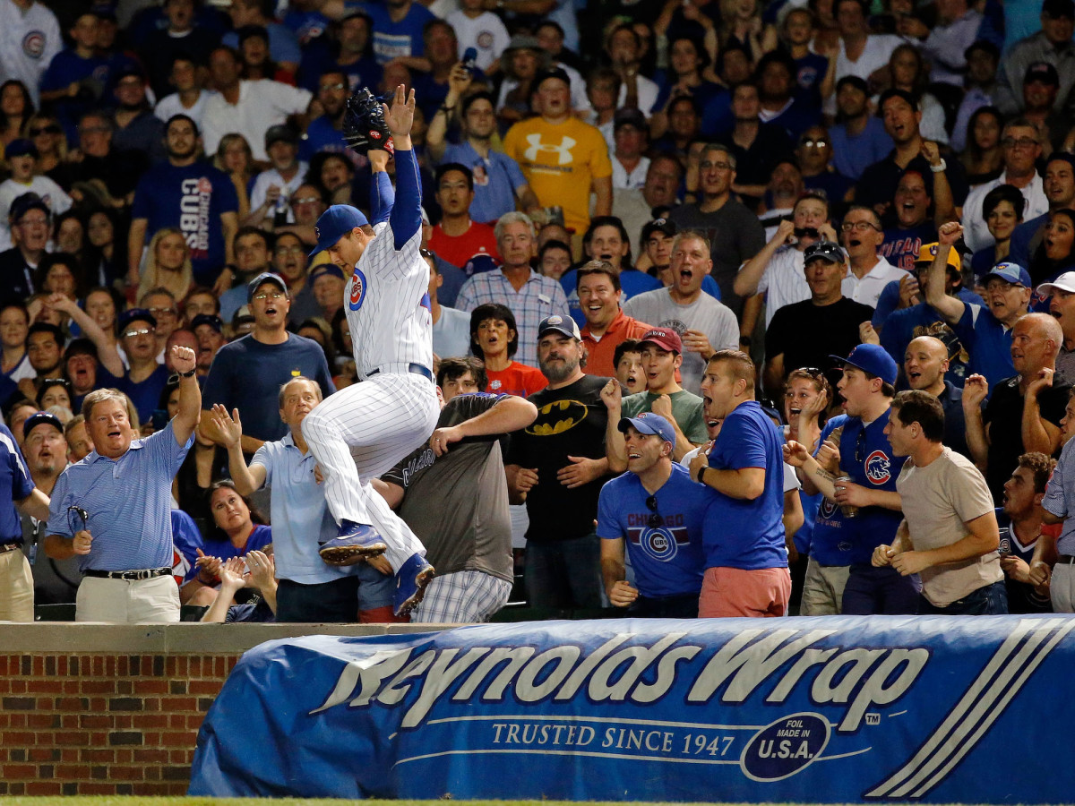 Anthony Rizzo makes highlight catch. Cubs fans in awe - SI Kids: Sports News for Kids. Kids Games and More