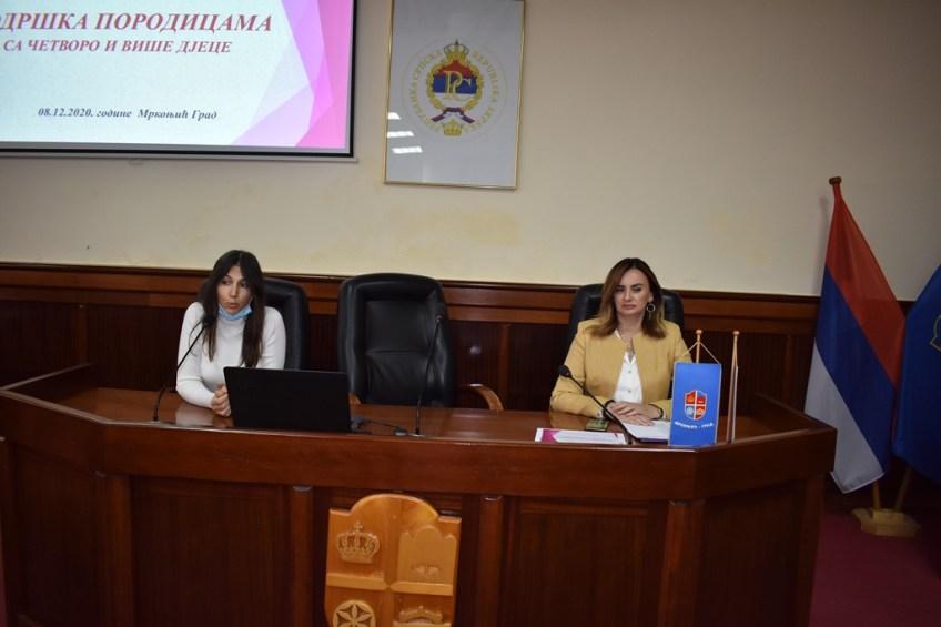 Mrkonjić Grad: Podrška porodicama sa četvoro i više djece