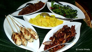 Indonesian Rijsttafel at the Beringin Tree Restaurant in Siladen Resort & Spa