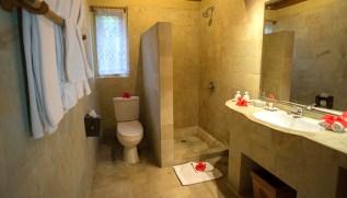 Nusa Indah Villa - Bathroom