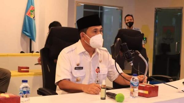 Wako Pimpin Rapat Percepatan Penanganan Covid-19, Instruksikan Segera Rekrut Relawan Nakes