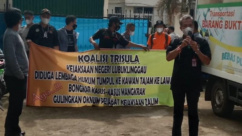 Aktivis Minta Copot Ketua PGRI Lubuklinggau Secepatnya