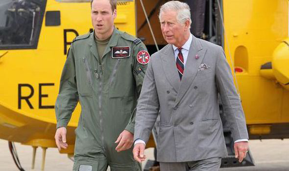 Prince-William-and-Prince-Charles-leaving-Helicopter-567306