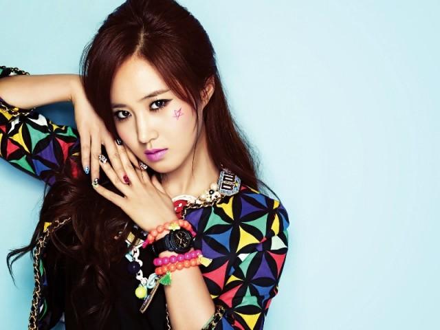 SNSD-Girls-Generation-Yuri-Wallpaper-3