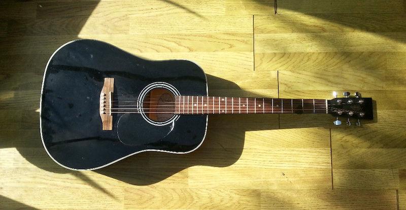 Cara Mengetahui Gitar Akustik Bagus