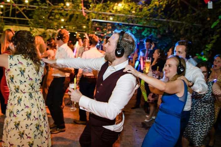 silent disco bruiloft polonaise