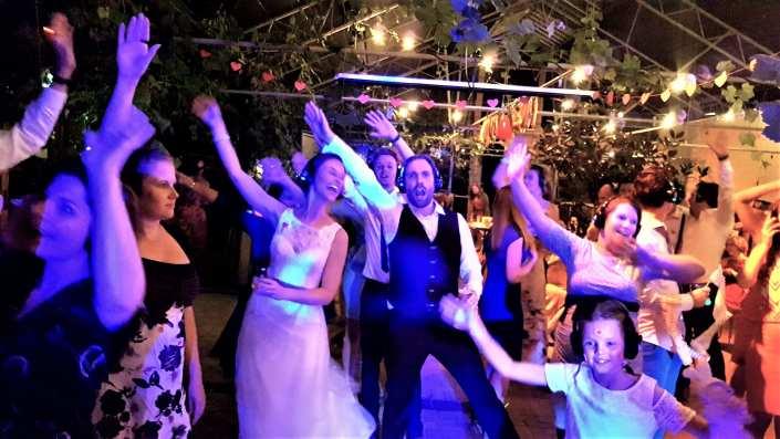 silent disco feest dansen bruiloft
