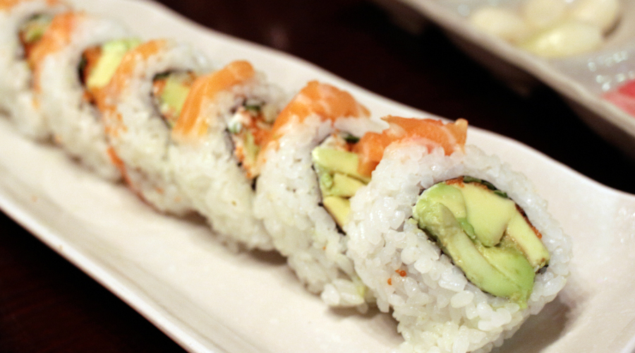 2015-silentlyfree-sushi-town-apgujung-sushi-alaska-roll-avocado-salmon-03