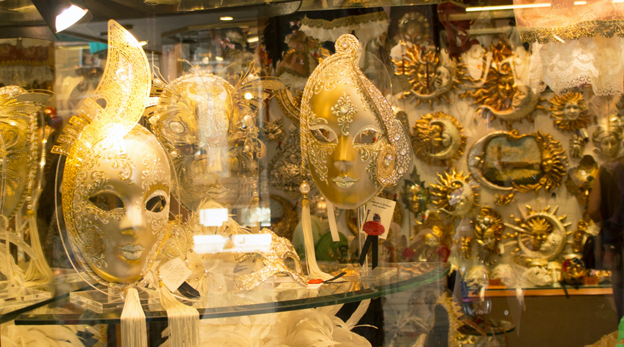 2014-silentlyfree-venice-italy-mask-shop-02
