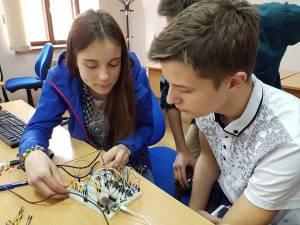 Кто возьмется перевести материал по LinkIt Smart 7688 с украинского на русский?