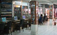 Cyber-Cafe-in-Thamel-Kathmandu-Nepal-by-Shinya-ICHINOHE-flickr