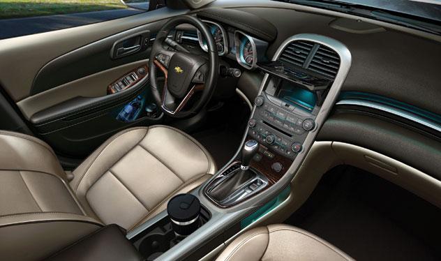2011 Chevrolet Malibu Spoiler
