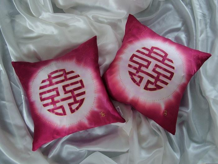 hand painted silk cushion double happiness fionastolze silkandart
