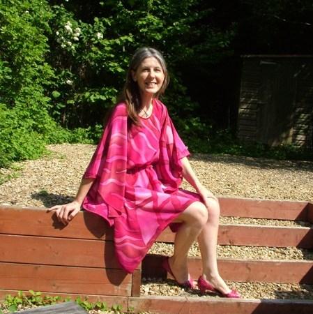 fionastolze hand painted pink and fuchsia silkandart