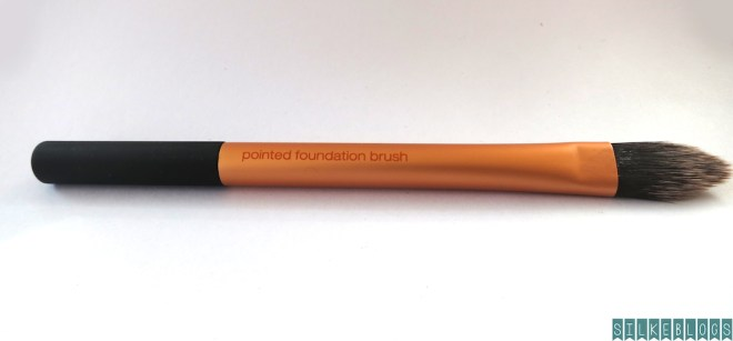 Real Techniques Core Collection Kit Pointed foundation brush