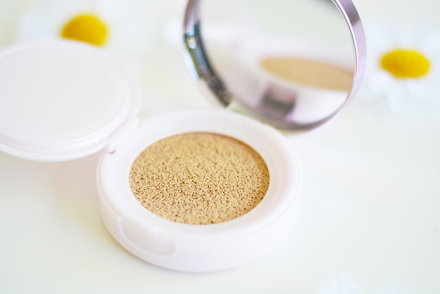 L'Oréal Paris Nude Magique Cushion Foundation