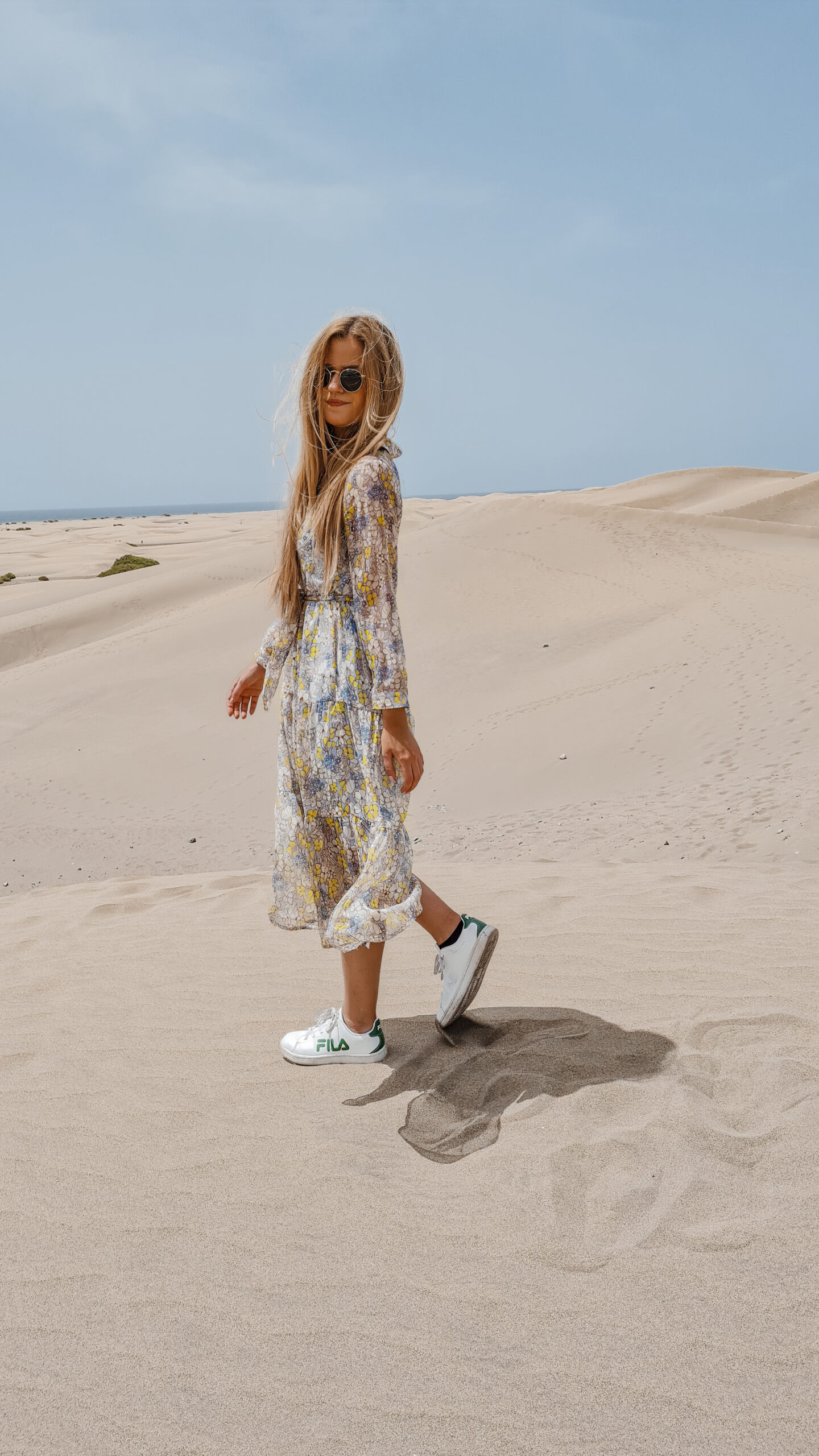 Outfit: Flowers in the Desert