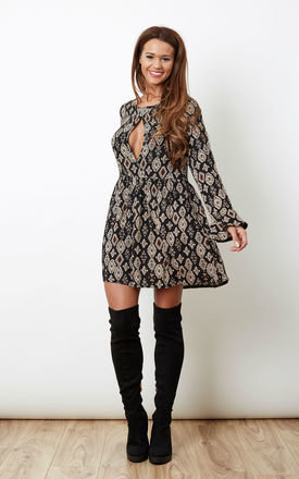 fd4a1356a2867 6 Ways To Wear Over The Knee Boots - SilkFred Blog