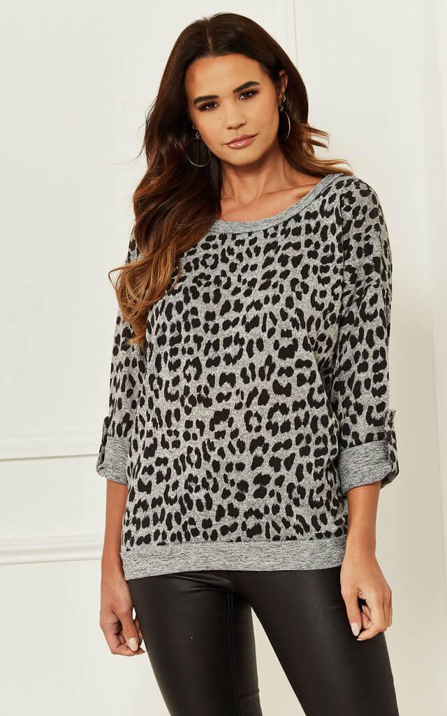 3/4 Sleeve Top in Grey Leopard Print