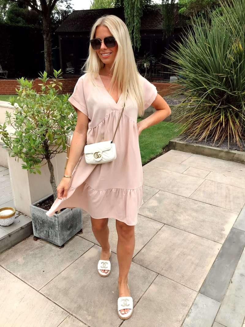 v-neck-tiered-mini-smock-dress-in-beige_gini-london