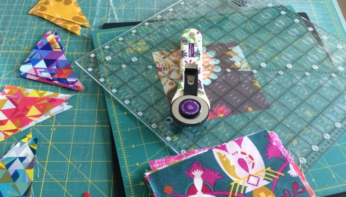 Working on @alisonglass #spectrum mini #quiltmarketprep #exlibris happy Thursday!