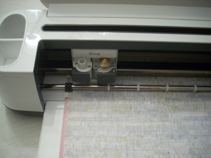 cutting fabric with my cricut