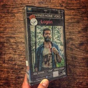 Recreación de portadas de películas en VHS