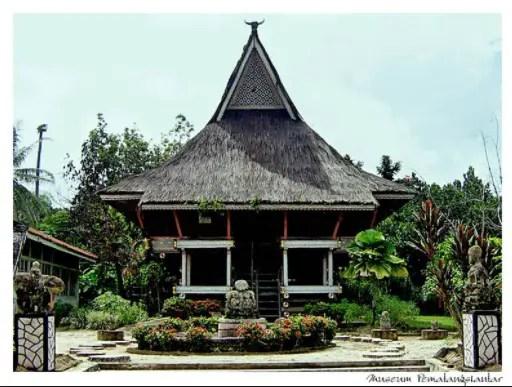 50 Gambar Sketsa Rumah Adat Sumatera Utara Terbaik