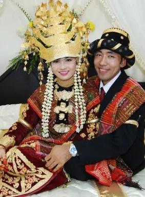 10 Pakaian Adat Daerah Sumatera Utara, Gambar dan