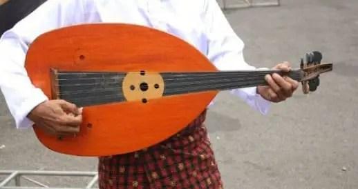 Alat Musik Gambus, Fungsi dan Cara Memainkannya
